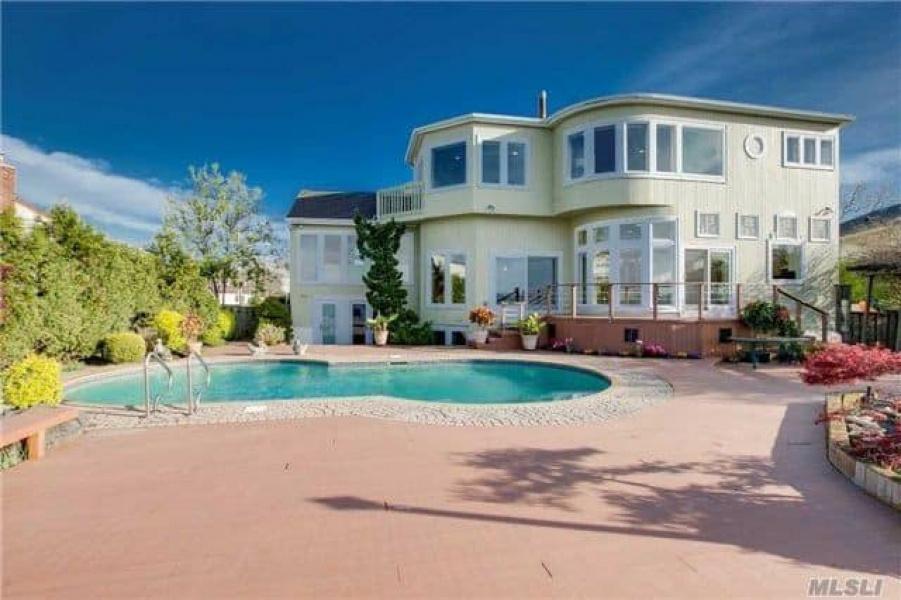1426 Bay Boulevard, Atlantic Beach, New York 11509, 6 Bedrooms Bedrooms, ,7 BathroomsBathrooms,Estate,For Sale,McMillan,Bay Boulevard,2,1003